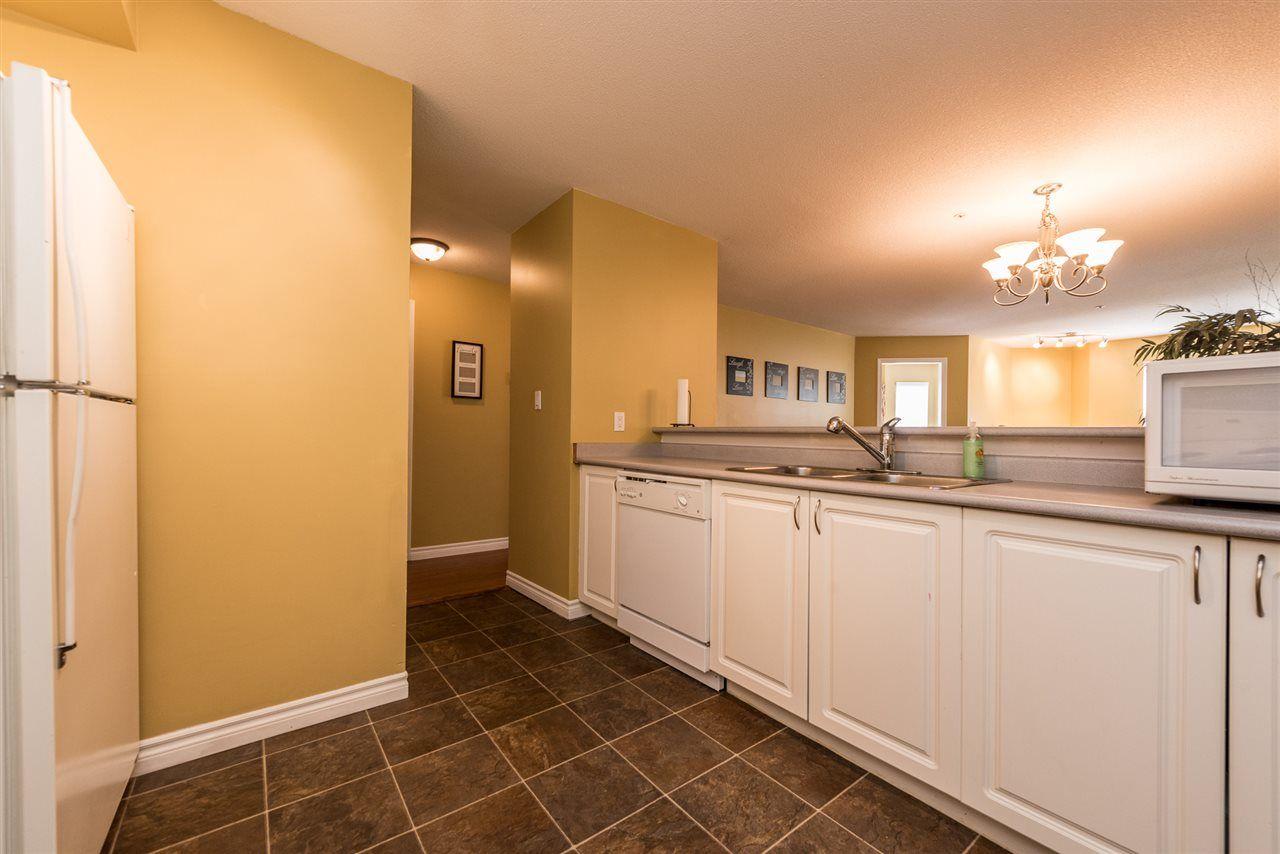 Photo 5: Photos: 213 12739 72 Avenue in Surrey: West Newton Condo for sale : MLS®# R2195378