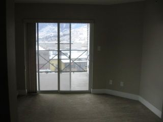 Photo 4: 404 - 256 HASTINGS AVENUE in PENTICTON: Residential Attached for sale : MLS®# 140039