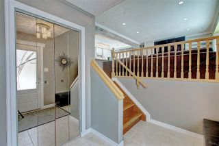 Photo 2: 636 WOLF WILLOW Road in Edmonton: Zone 22 House for sale : MLS®# E4226903