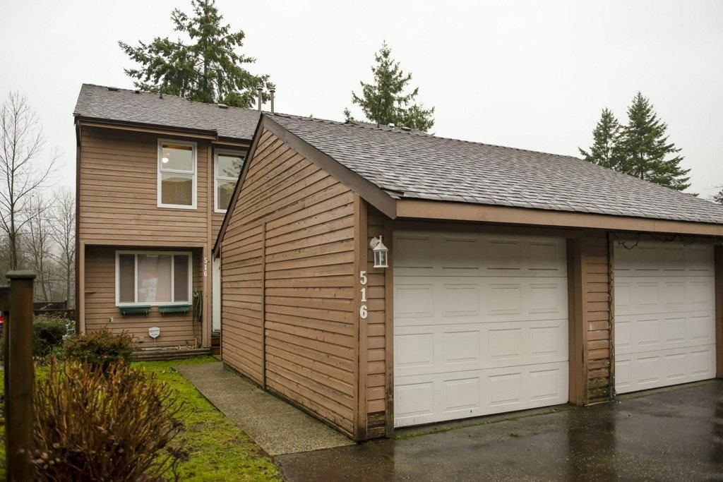 """Main Photo: 516 LEHMAN Place in Port Moody: North Shore Pt Moody Townhouse for sale in """"Eagle Point"""" : MLS®# R2424791"""