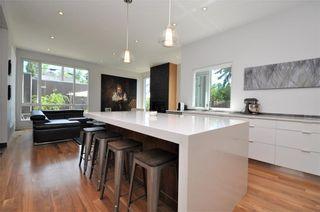 Photo 4: 110 35 Street NW in Calgary: Parkdale House for sale : MLS®# C4123515