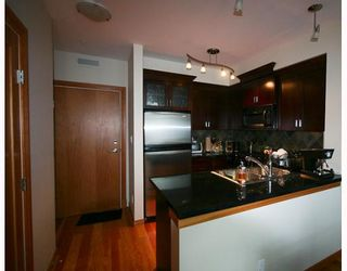 """Photo 4: 109 10 RENAISSANCE Square in New Westminster: Quay Condo for sale in """"MURANO"""" : MLS®# V800690"""