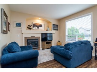 """Photo 10: 19074 69A Avenue in Surrey: Clayton House for sale in """"CLAYTON"""" (Cloverdale)  : MLS®# R2187563"""