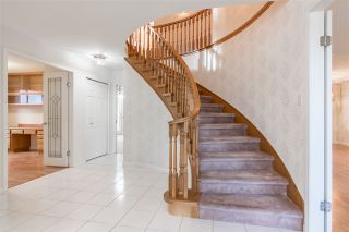 """Photo 2: 19041 62 Avenue in Surrey: Cloverdale BC House for sale in """"Cloverdale Hilltop"""" (Cloverdale)  : MLS®# R2307623"""