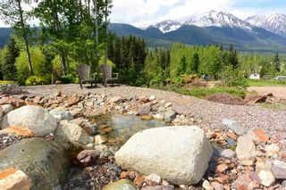 Photo 2: 3543 BANFF Avenue in Smithers: Smithers - Rural House for sale (Smithers And Area (Zone 54))  : MLS®# R2271804