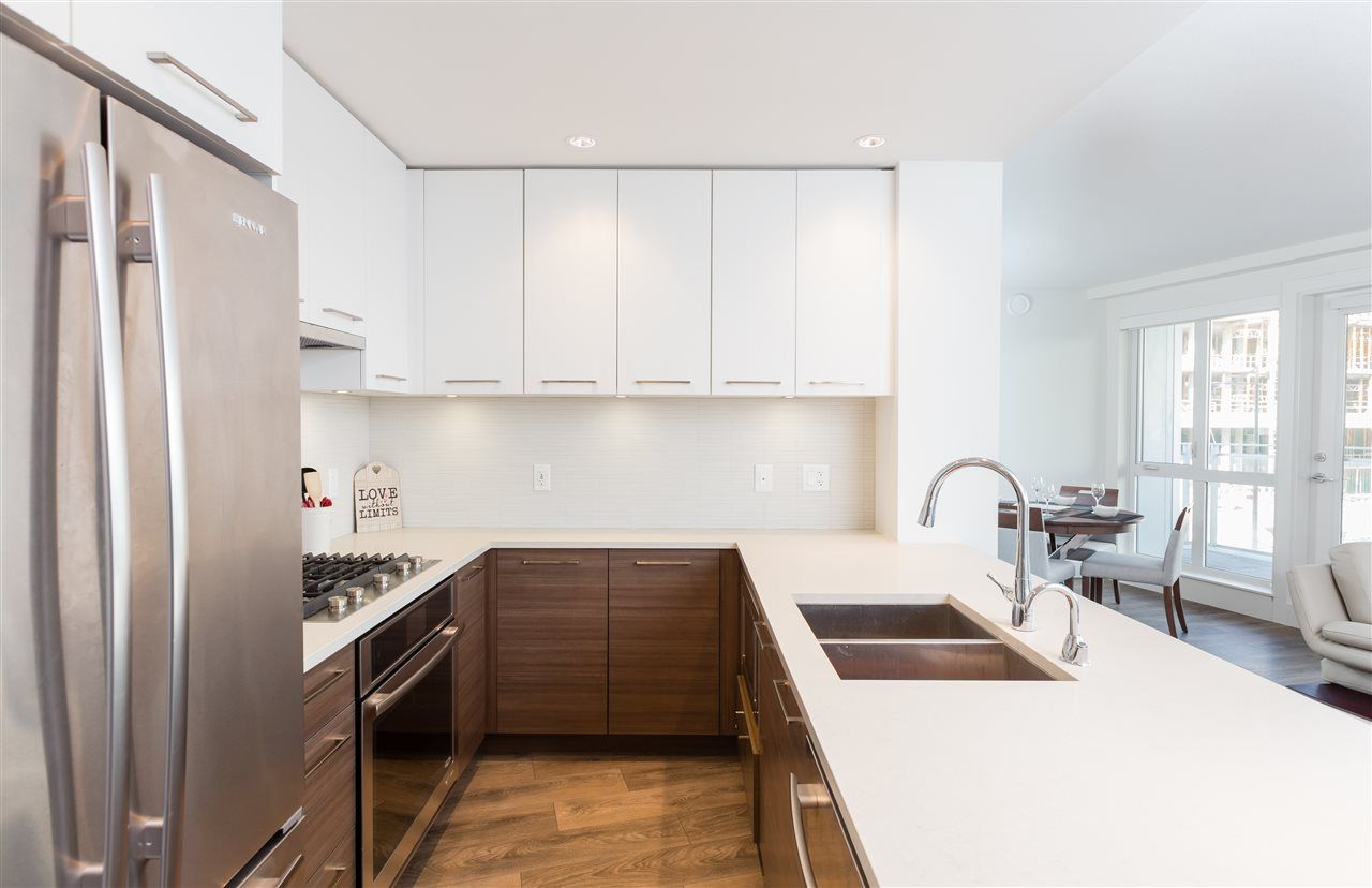 "Photo 3: Photos: 308 8580 RIVER DISTRICT CROSSING in Vancouver: Champlain Heights Condo for sale in ""TWO TOWN CENTER"" (Vancouver East)  : MLS®# R2354224"