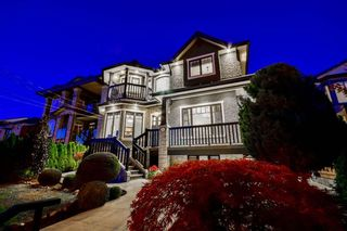Photo 1: 206 DELTA Avenue in Burnaby: Capitol Hill BN House for sale (Burnaby North)  : MLS®# R2095934