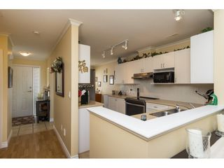 """Photo 3: 26 17516 4TH Avenue in Surrey: Pacific Douglas Townhouse for sale in """"Douglas Point"""" (South Surrey White Rock)  : MLS®# R2129004"""