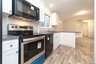 Photo 2: 10 2607 Selwyn Rd in : La Mill Hill Manufactured Home for sale (Langford)  : MLS®# 872899