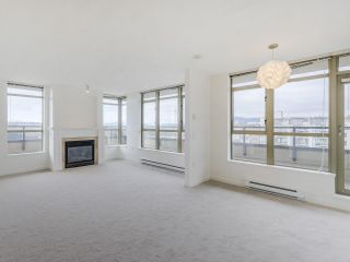 """Photo 4: 720 2799 YEW Street in Vancouver: Kitsilano Condo for sale in """"TAPESTRY AT THE O'KEEFE"""" (Vancouver West)  : MLS®# R2605737"""