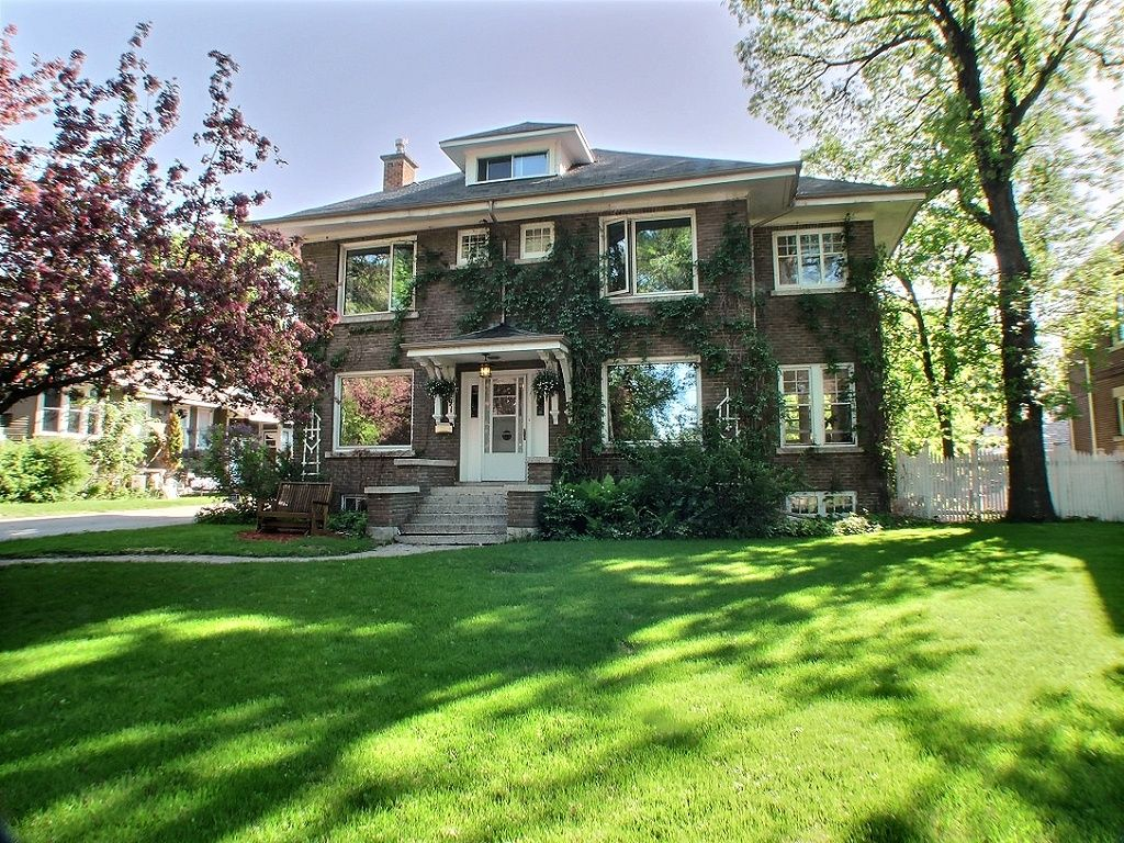 Main Photo: 91 West Gate in : Armstong's Point Single Family Detached for sale (Central Winnipeg)  : MLS®# 1412316