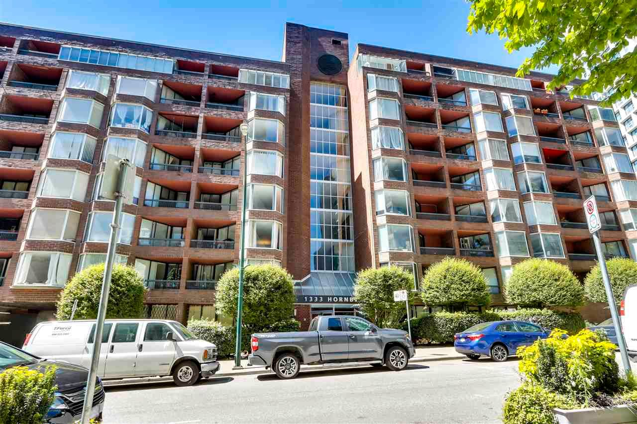 """Main Photo: 701 1333 HORNBY Street in Vancouver: Downtown VW Condo for sale in """"ARCHOR POINT"""" (Vancouver West)  : MLS®# R2589861"""