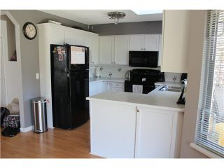 """Photo 2: 13 9045 WALNUT GROVE Drive in Langley: Walnut Grove Townhouse for sale in """"BRIDLEWOODS"""" : MLS®# F1412289"""