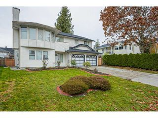 """Photo 3: 6017 189 Street in Surrey: Cloverdale BC House for sale in """"CLOVERHILL"""" (Cloverdale)  : MLS®# R2516494"""