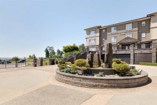 """Photo 2: A315 33755 7 Avenue in Mission: Mission BC Condo for sale in """"The Mews"""" : MLS®# R2591657"""