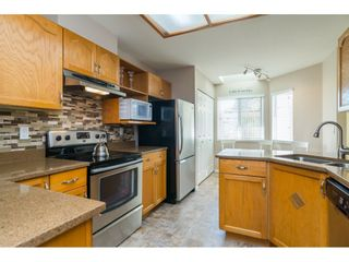 Photo 9: 48 6140 192 Street in Surrey: Cloverdale BC Townhouse for sale (Cloverdale)  : MLS®# R2198090
