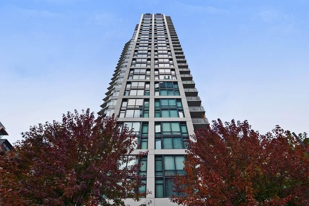 """Main Photo: 1002 1255 SEYMOUR Street in Vancouver: Downtown VW Condo for sale in """"The Elan by Cressey"""" (Vancouver West)  : MLS®# R2292317"""