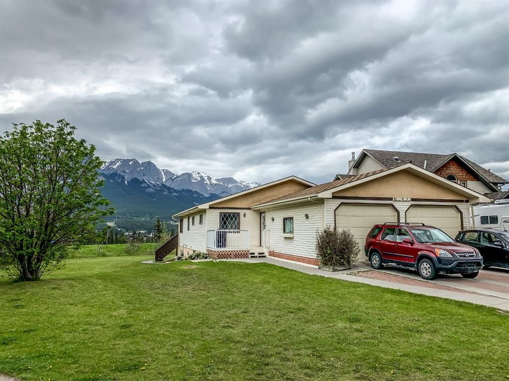 Main Photo: 312 Hoodoo Crescent: Canmore Detached for sale : MLS®# A1118595