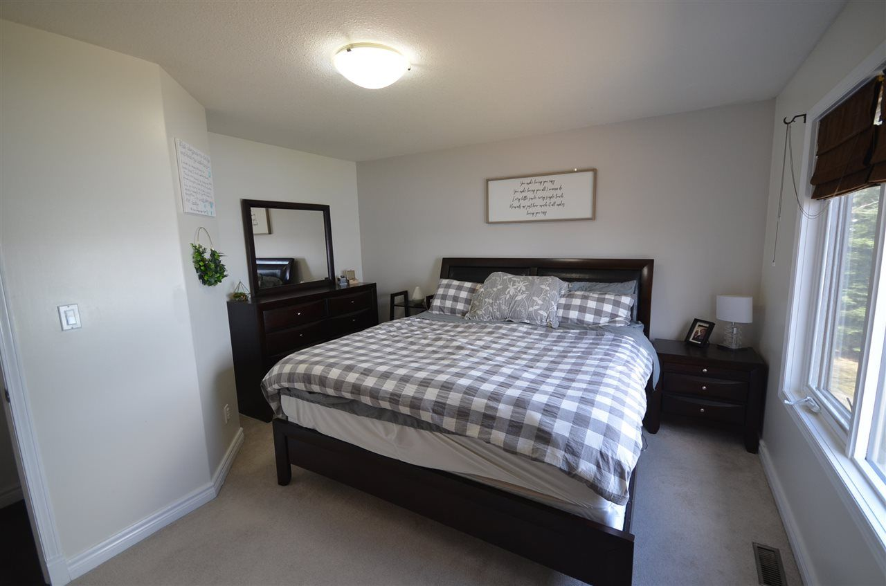 Photo 9: Photos: 13759 GOLF COURSE Road: Charlie Lake Manufactured Home for sale (Fort St. John (Zone 60))  : MLS®# R2453494