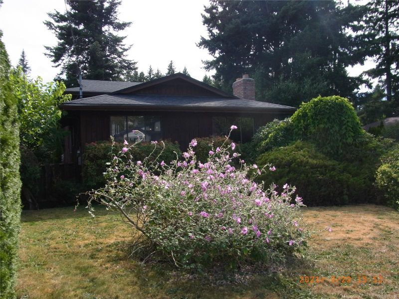FEATURED LISTING: 1093 Sitka Ave Courtenay