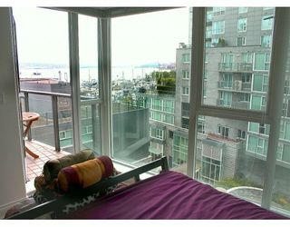 Photo 3: 709 560 CARDERO ST in Vancouver: Coal Harbour Condo for sale (Vancouver West)  : MLS®# V601825
