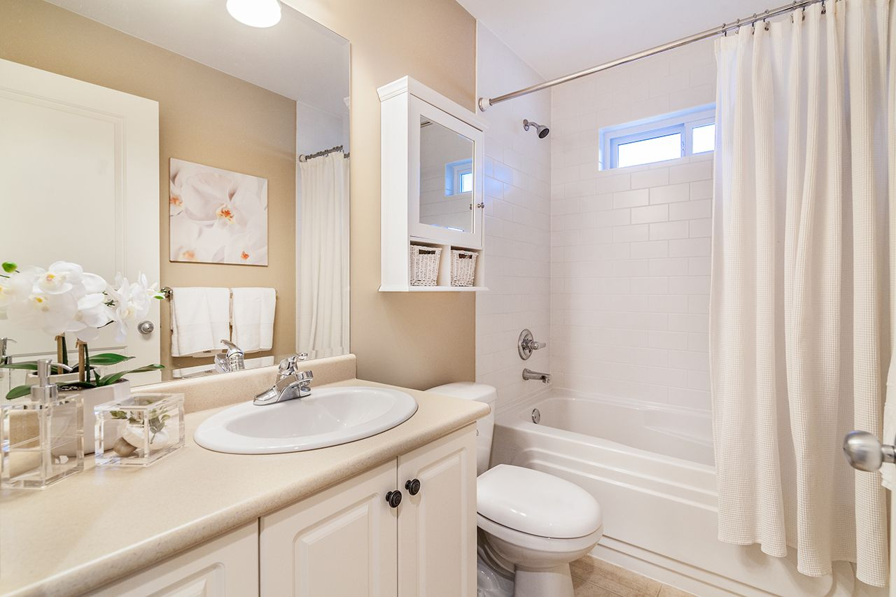 """Photo 23: Photos: 2907 152A Street in Surrey: King George Corridor House for sale in """"SOUTHPOINT ESTATES"""" (South Surrey White Rock)  : MLS®# R2278623"""