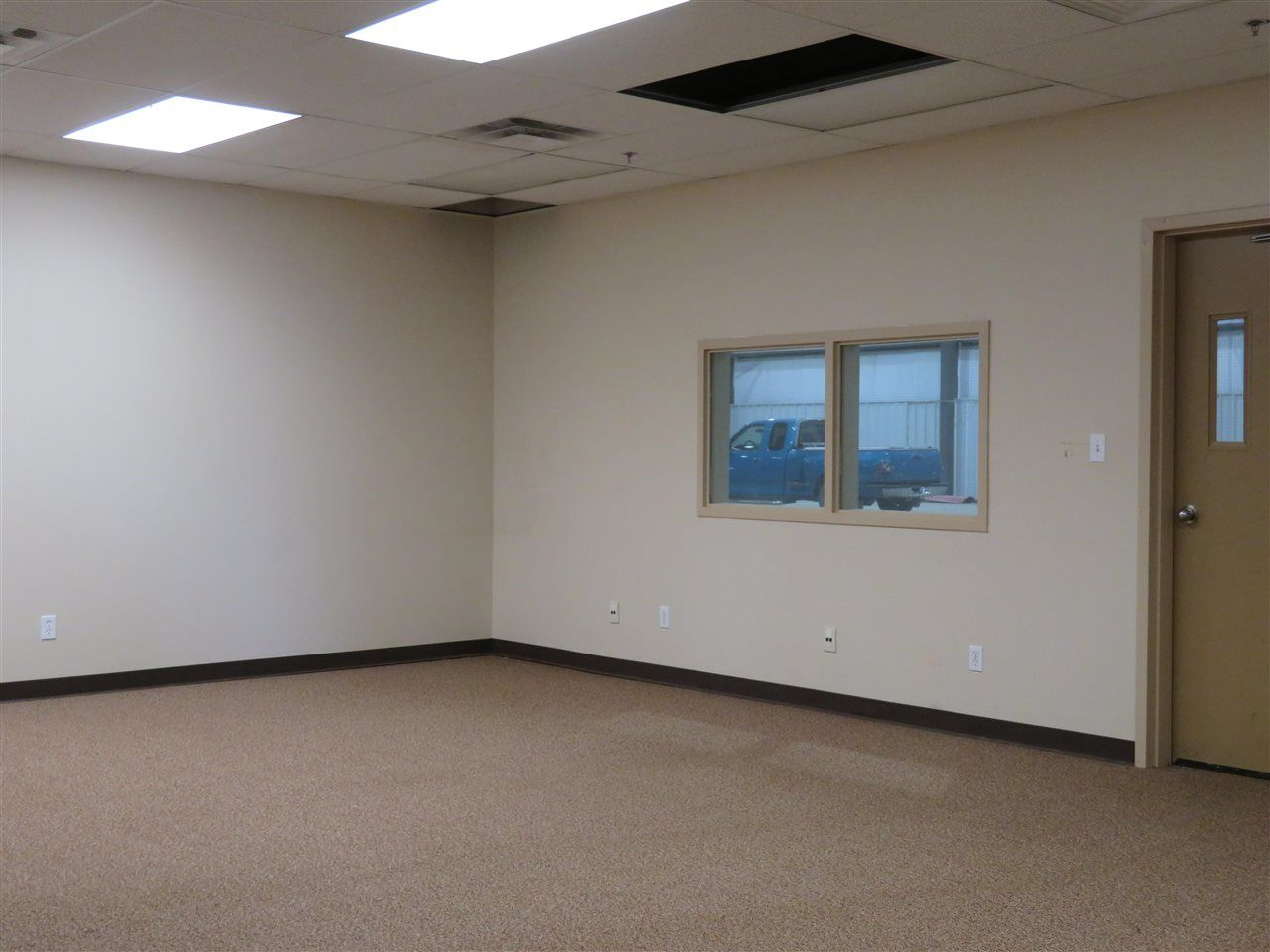 Photo 8: Photos: 5402 44 Avenue in Fort Nelson: Fort Nelson -Town Industrial for sale (Fort Nelson (Zone 64))  : MLS®# C8038651