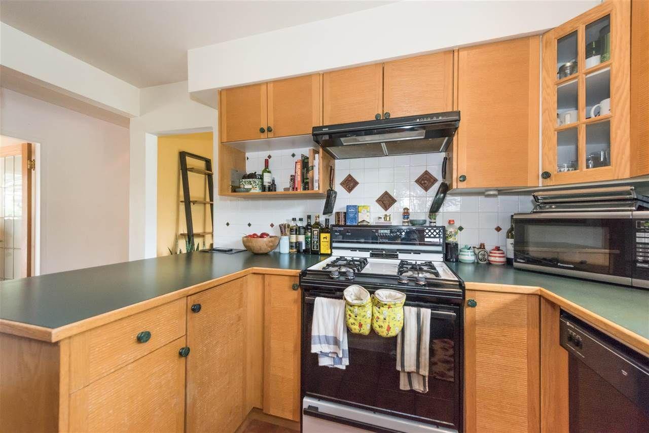 Photo 7: Photos: 5743 16 Avenue in Delta: Beach Grove House for sale (Tsawwassen)  : MLS®# R2176519
