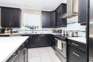 Photo 3: 558 Bezanton Way in : Co Latoria House for sale (Colwood)  : MLS®# 858038