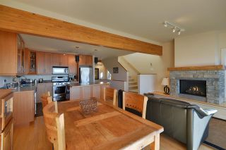 Photo 8: 5370 WAKEFIELD BEACH LANE in Sechelt: Sechelt District Townhouse for sale (Sunshine Coast)  : MLS®# R2409390