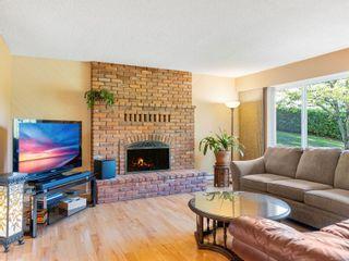 Photo 2: 2749 Joanna Terr in Nanaimo: Na Diver Lake House for sale : MLS®# 887107