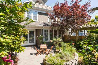 Photo 2: 2952 W 2ND Avenue in Vancouver: Kitsilano 1/2 Duplex for sale (Vancouver West)  : MLS®# R2483612