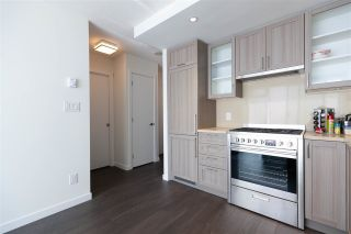 """Photo 6: 2901 5515 BOUNDARY Road in Vancouver: Collingwood VE Condo for sale in """"WALL CENTRE CENTRAL PARK"""" (Vancouver East)  : MLS®# R2293643"""