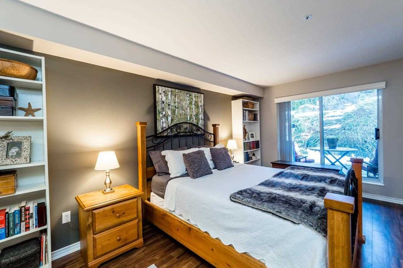 """Photo 14: Photos: 107 1140 STRATHAVEN Drive in North Vancouver: Northlands Condo for sale in """"Strathaven"""" : MLS®# R2131232"""
