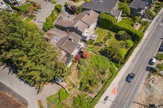 "Photo 3: 14310 SUNSET Drive: White Rock House for sale in ""White Rock Marine Dr. West"" (South Surrey White Rock)  : MLS®# R2536972"