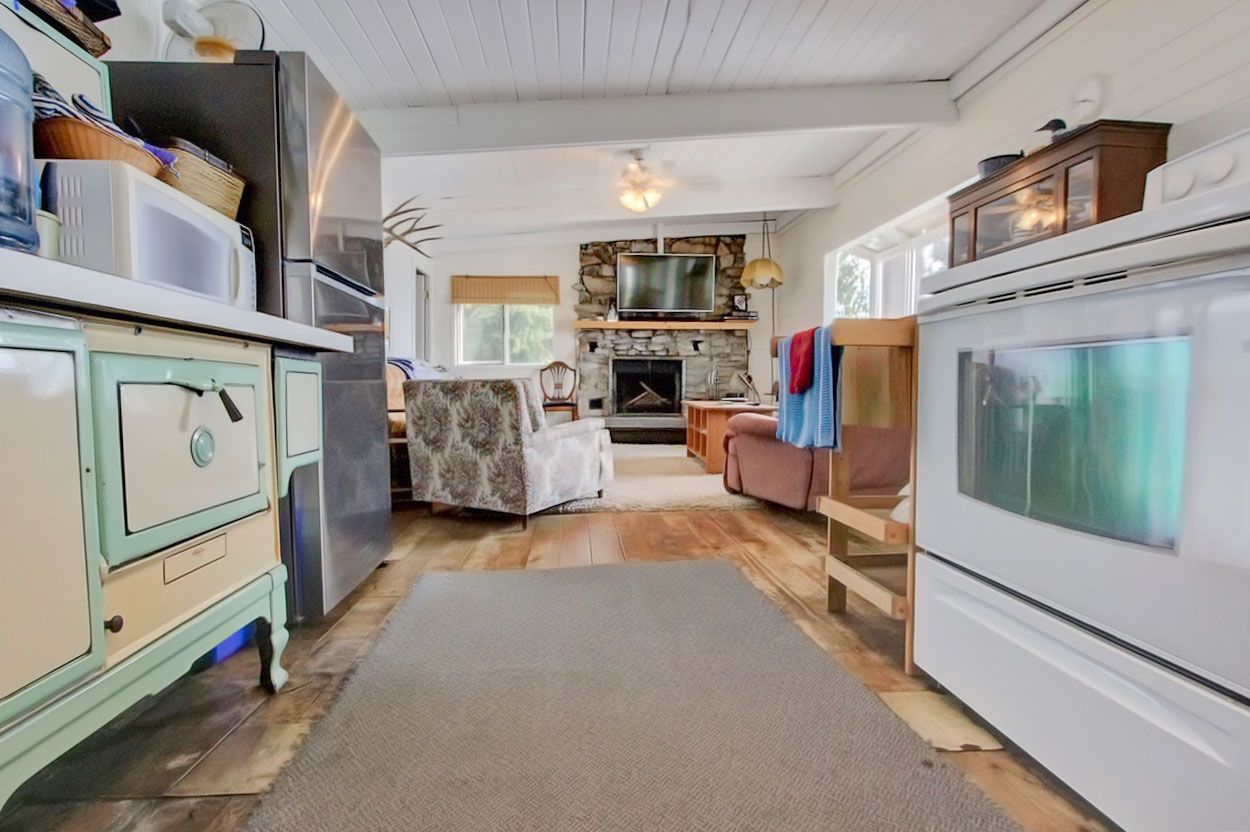 Photo 17: Photos: 1185 Little Shuswap Lake Road in Chase: Little Shuswap House for sale (Shuswap)  : MLS®# 10201171