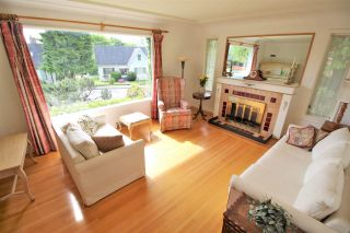 Photo 3: 819 CHILLIWACK Street in New Westminster: The Heights NW House for sale : MLS®# R2168673