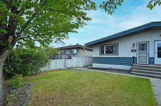 Main Photo: 2840 39 Street SW in Calgary: Glenbrook Semi Detached for sale : MLS®# A1119373
