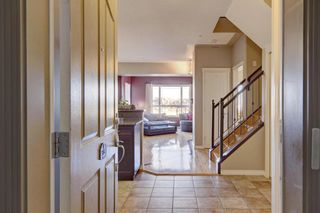 Photo 4: 328 30 Sierra Morena Landing SW in Calgary: Signal Hill Apartment for sale : MLS®# A1149734