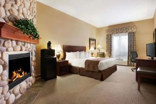 Photo 11: : Strathmore Hotel/Motel for sale : MLS®# A1040076