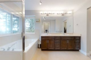 Photo 17: 26 HAWTHORN Drive in Port Moody: Heritage Woods PM House for sale : MLS®# R2564144