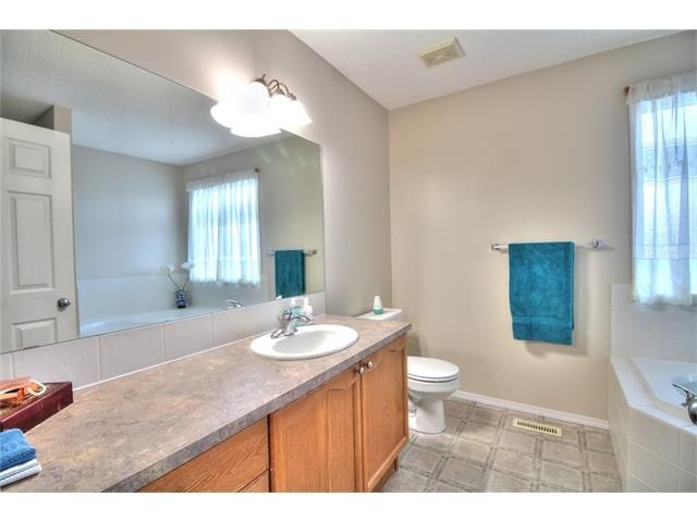 Photo 23: Photos: 606 EVERMEADOW Road SW in Calgary: Evergreen House for sale : MLS®# C4053479