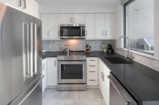 """Photo 9: 1206 1238 RICHARDS Street in Vancouver: Yaletown Condo for sale in """"METROPOLIS"""" (Vancouver West)  : MLS®# R2187337"""