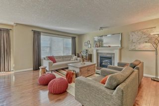Photo 12: 36 Everhollow Crescent SW in Calgary: Evergreen Detached for sale : MLS®# A1125511