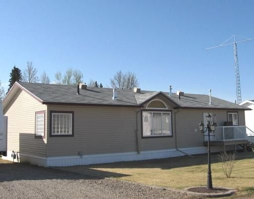 """Main Photo: 3 5701 AIRPORT Drive in Fort_Nelson: Fort Nelson -Town Manufactured Home for sale in """"SOUTHRIDGE"""" (Fort Nelson (Zone 64))  : MLS®# N182430"""