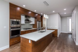 Photo 9: 10615 136 Street in Edmonton: Zone 11 House for sale : MLS®# E4261656