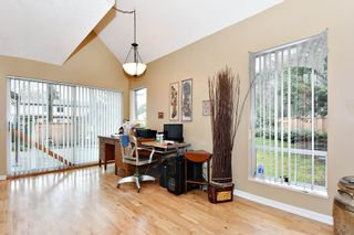 """Photo 5: 7403 TAMARIND Drive in Vancouver: Champlain Heights Townhouse for sale in """"THE UPLANDS"""" (Vancouver East)  : MLS®# R2426145"""