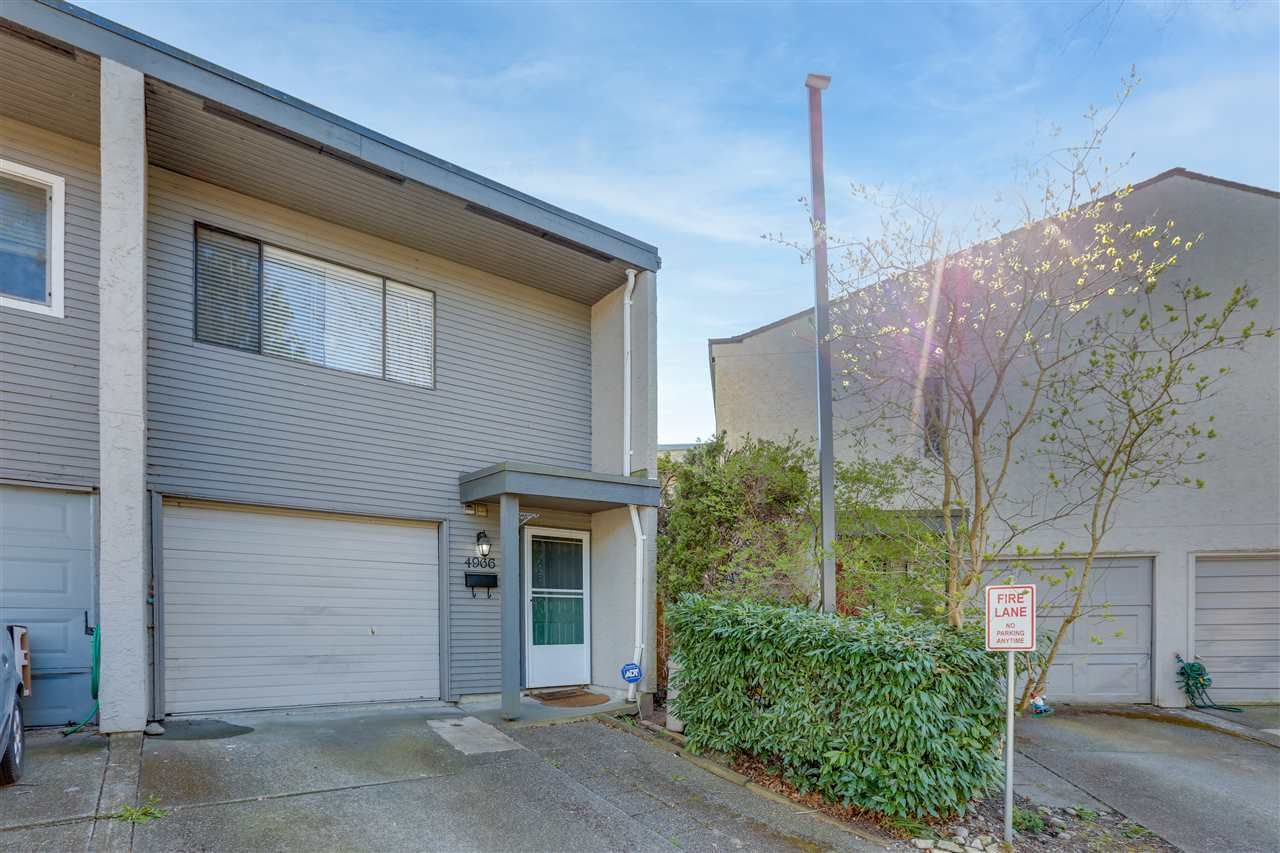 Main Photo: 4966 RIVER REACH in Delta: Ladner Elementary Townhouse for sale (Ladner)  : MLS®# R2565126