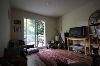 Photo 2: 732 E 10TH Avenue in Vancouver: Mount Pleasant VE Triplex for sale (Vancouver East)  : MLS®# R2401960