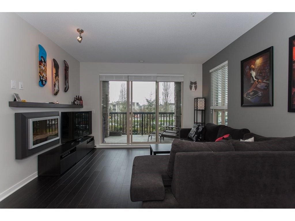 """Photo 2: Photos: 210 5655 210A Street in Langley: Salmon River Condo for sale in """"CORNERSTONE NORTH"""" : MLS®# R2152844"""